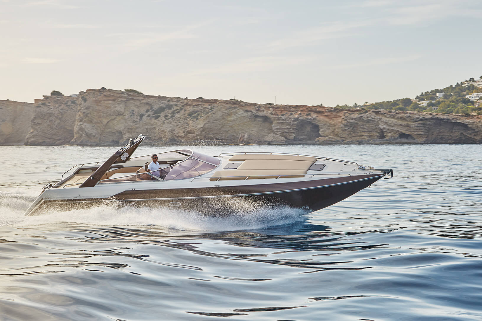 Sunseeker-43-Falco-3